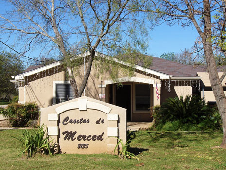 Casitas de Merced in Somerset, Texas